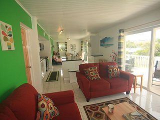 HUMMINGBIRD REST ISLAND PARADISE BEACH VILLAGE FRIGATE BAY -MODERN AND SPACIOUS