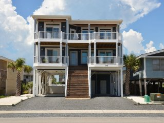 5 BR, 2nd Row, Opt. Heated Pool, Hot Tub, Tiki Bar, Private Beach Access