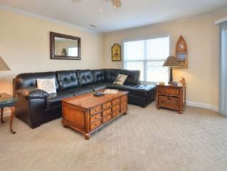 Ocean View Condo w/Pool & Elevator-Close to Beach-3 bdrm/2.5 bath-Sleeps 6