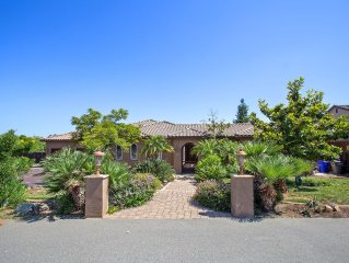 Tuscan Style Close To Theme Parks, Ocean, Golf, Large Private Back Yard/ Video!