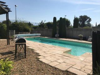 Villa with pool and open views to Mont Ventoux