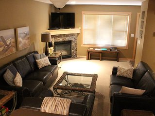 Purcell Peaks, New Townhouse, 3 Bedrooms, Sleeps 8 - 6 Beds