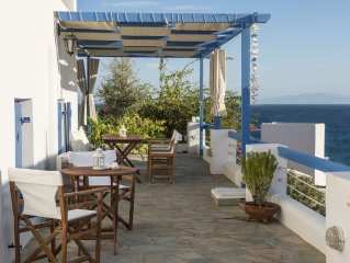 Hera home, 50 metres from the beach, with sea view