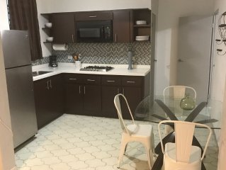 Cute 2br Isla Verde . Sleep 6-Steps From Breach, Min From Airport