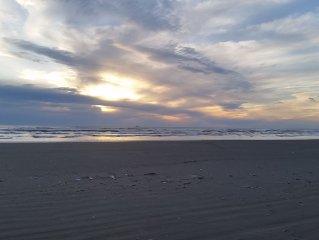 Fantastic Ocean Side Condo w/Free Wifi