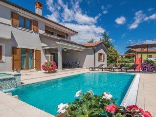 4 bedroom accommodation in Trosti