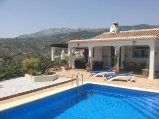 Beautiful 3 bedrooomed Villa with Private pool, stunning views, close to Competa