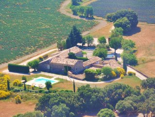 Traditional Provencal Farmhouse with Private Pool and Peaceful Enclosed Garden