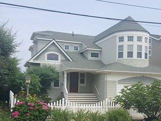 Beautiful Bayfront Property, Amazing Sunsets, 5 Bedroom, 4.5 Bath, Sleeps 11