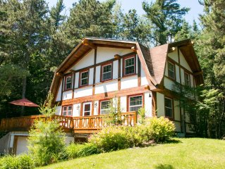 Prancing Pony - Norwegian Timberframe Home in Whitefish Bay/Family Friendly
