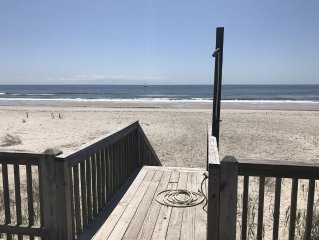 3BR 2BA Cozy Oceanfront Cottage on Oak Island, NC packed with Beachy Charm!