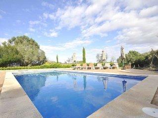 Finca con piscina privada para 8 personas en el interior de Mallorca. Algaida.