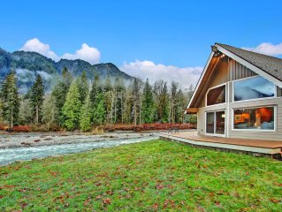 Sky River's Edge is at Nature's Doorstep! Riverfront, Deck, Stunning Views!