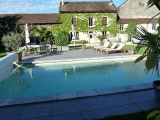 Grande maison 14 personnes piscine WE/semaine