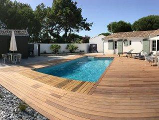 Belle villa avec piscine chauffee entre plage et centre pour 10 personnes