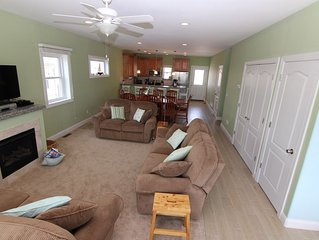 Beautiful ,  7 Bedroom, family oriented home, short walk to beach and shopping