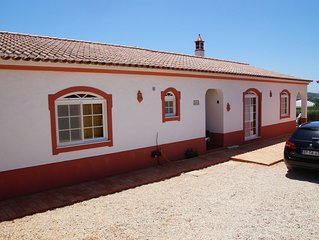 Nice vila with  salt water pool,surrounded by gardens and farm of orange trees