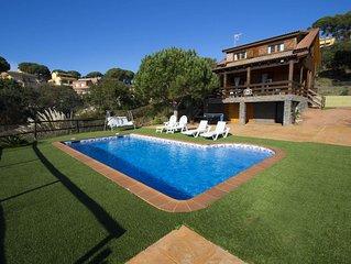 Pleasant villa for 6 in Tordera, Costa Brava, only 5km from the beach!
