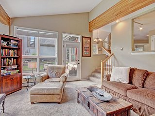 WD25 Wonderful Town Home Boasts Incredible Views!