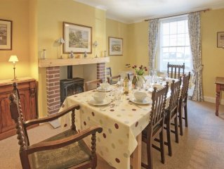 EARSDON HOUSE Belford - Just a Short Drive From the Stunning Beach at Bamburgh