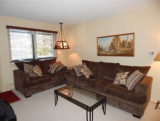 Modern 3 bedroom unit with forest views and comfortably will sleep 6
