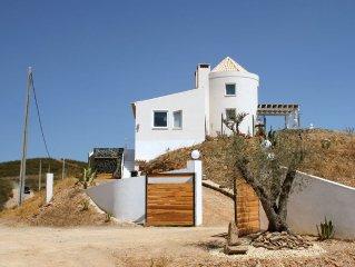 Modernes Ferienhaus mit Meerblick in unberührter Natur an der Algarve