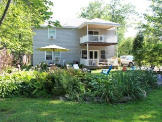 ★ Perfect For Families ★ Walk to Bemus Pt. | Lake Access | Close to Ski Resorts