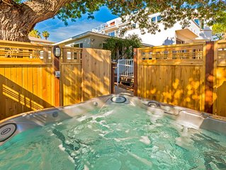 15% OFF thru 12/17- Beach Cottage, steps to Ocean with Deck + Shared Hot Tub!