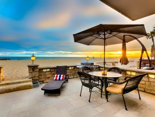 10% OFF OPEN AUG DATES - On the Sand - 3BR Beach Front House in Newport