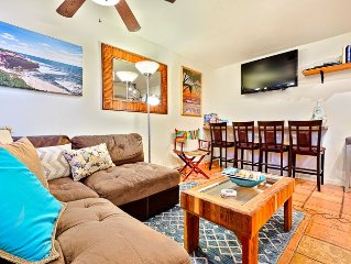 20% OFF JULY - Condo steps to Beach with Hot Tub, Private Patio & BBQ