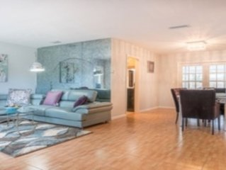 Lovely 4br Newly redone pool home
