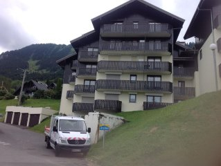 Close to ski lift and all amenities, ski back to the apartment