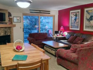 Remodeled Condo w/ FREE WiFi, Parking, Heated Pool, Hot Tubs, Skier Shuttles