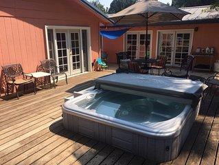 Shasta Lake Sun House Lodge