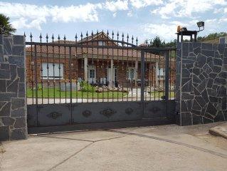Casa de campo a 7 Km. de Logroño para disfrutar en familia de la Rioja .