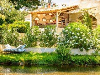Un havre de paix situe a Montolieu 'village du livre' & au bord de la riviere