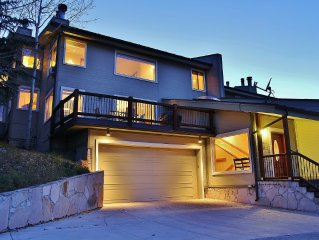 Gorgeous VRBO Home close to Park City mountain Resort- Private Hot Tub