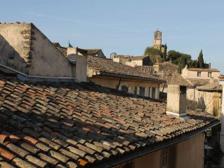 Charming Two Bedroom Apartment In The Heart Of Lourmarin. Great Location