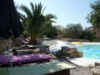 Romantic villa family-friendly:on vacation all the year among art,nature and sea