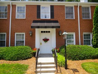 Beautiful, Private, Near Downtown 2bd Condo