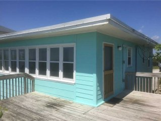 703 BY THE SEA: 2 BR / 1 BA oceanfront in Topsail Beach, Sleeps 4