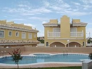 Algorfa Townhouse with communal pool