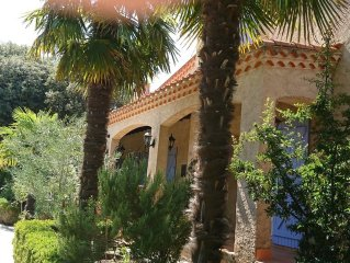 B & B, safe swimming pool, pool house furnished and equipped summer kitchen