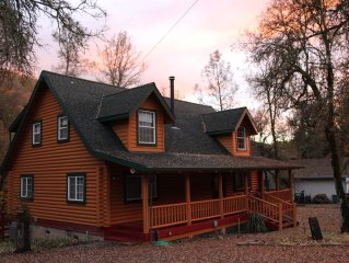 Spa, Log House on year-round Stream, Swimming Hole, Hiking, Wifi