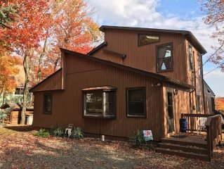Upscale  Lakefront Vacation Rental in the Heart of the Poconos