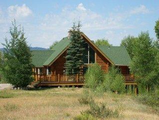 Moose Meadows-  Cozy Western Style Log Cabin