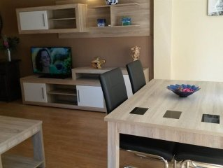 Apartment a short walk away (201 m) from the 'PLAYA DEL MIRACLE' in Tarragona wi