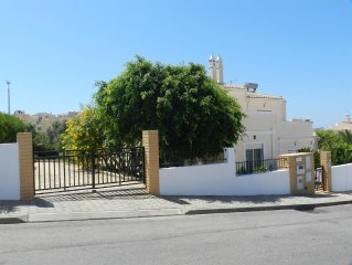 House 223 m from the center of Ferragudo with Parking, Terrace, Washing machine