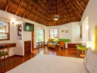 Bungalow in the center of Playa del Carmen with Air conditioning (444380)