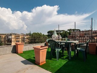 Apartment 1.2 km from the center of Rome with Air conditioning, Terrace, Washing